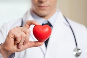 Blutdruckmessgeräte erkennen Bluthochdruck. Hypertonie birgt viele Risiken!